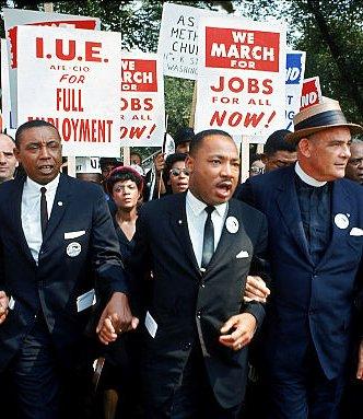 Martin Luther King não marchou só pelo fim da segregação racial. Ele marchou por direitos trabalhistas. Basta ver a foto. #GreveGeral