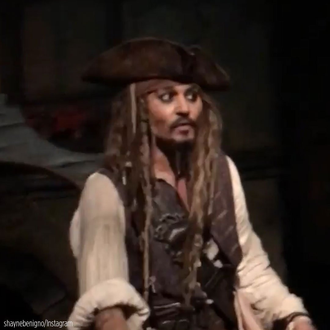 Captain Jack! Johnny Depp gave these @Disneyland visitors quite the su...