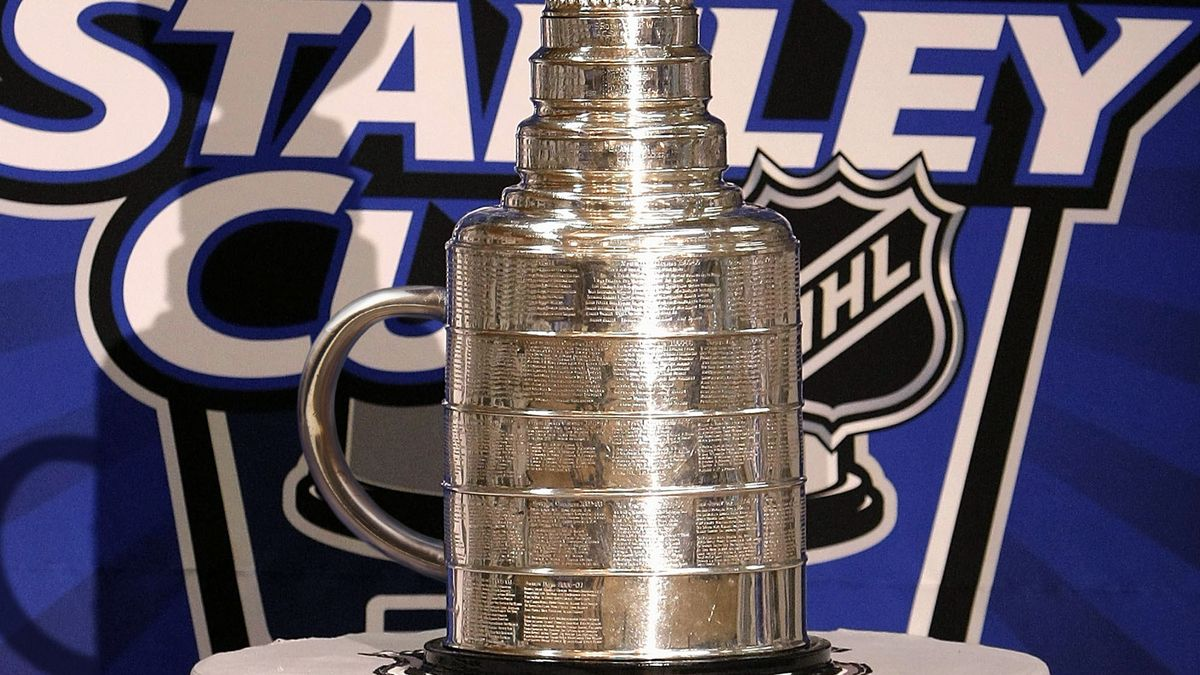 NHL Finally Welds Handle To Stanley Cup trib.al/2U3l823