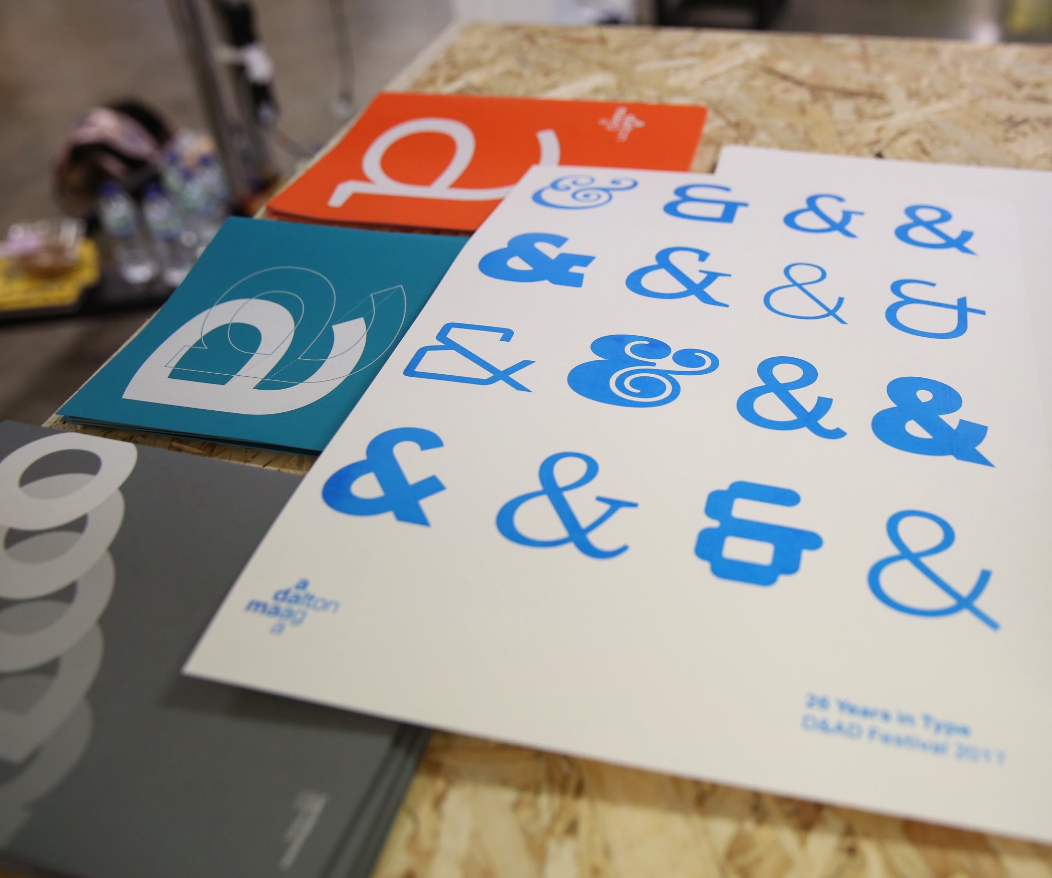 I went to the @DaltonMaag #screenprinting workshop and made this poster and didn't get any ink on my hands 😌🖖🏼#dandad17 #typography https://t.co/uMgun2Xt1T