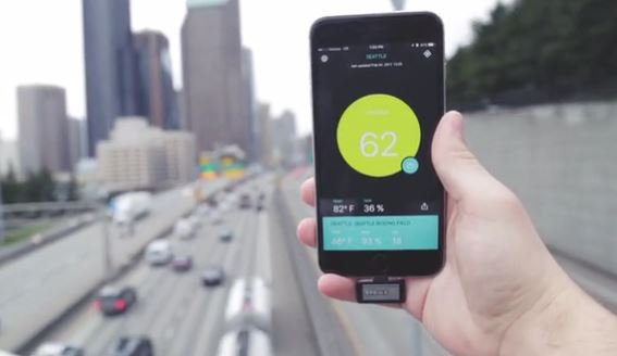 This iPhone accessory Monitors the atmospheric conditions around you!  https:// goo.gl/i5mlp5  &nbsp;   #AirQuality #iphone #tech #engineering #enviro <br>http://pic.twitter.com/MFTtWbL6Vg