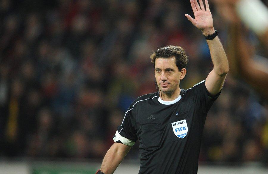 Der Schiedsrichter👮 für #FCAHSV: Manuel Gräfe. 🏁Assistenten: Kleve und...
