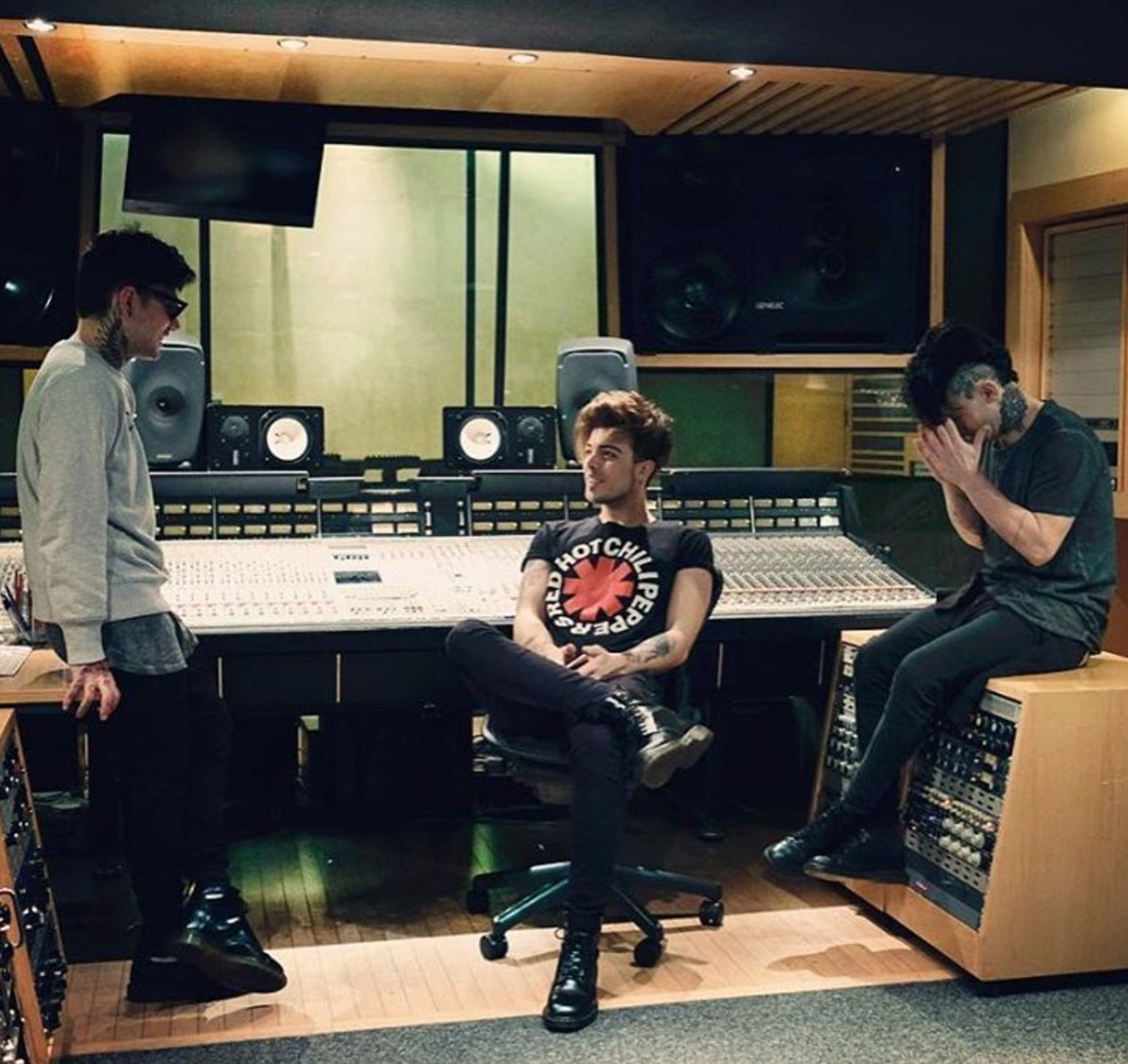 #ThrowbackThursday... Our favourite Italians, @TheKolors, recording in Studio B. https://t.co/2o7xgx0cF7