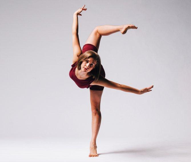 Dance Education Major Kelli Briggs will speak on behalf of the Department of Dance  at convocation! #CFACGrad https://t.co/ReIWdg8dKq https://t.co/1jzmKYBA3C