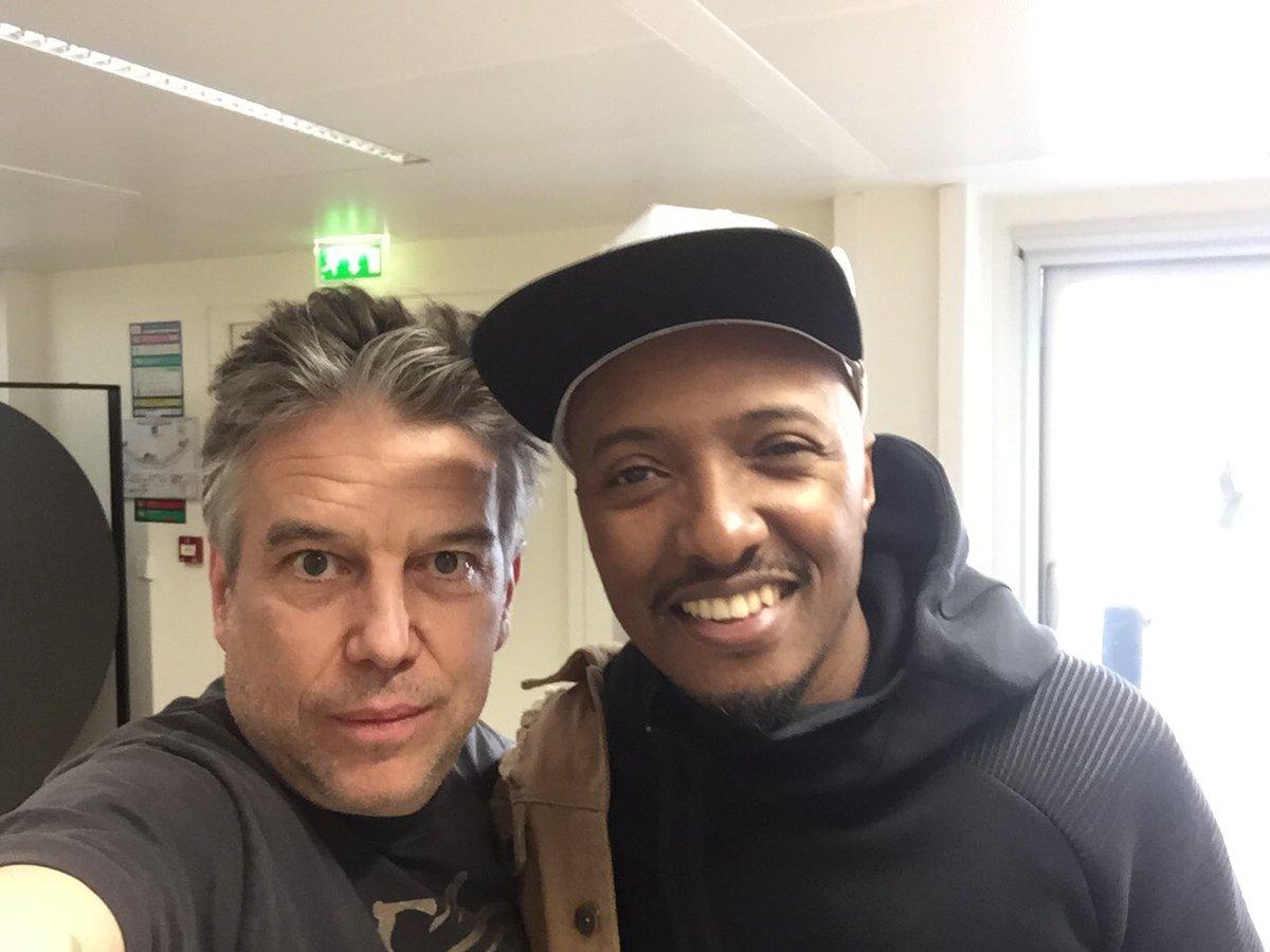 #Soprano avec moi demain @franceinfo. Au menu : #Marseille, #hiphop et BennyB!