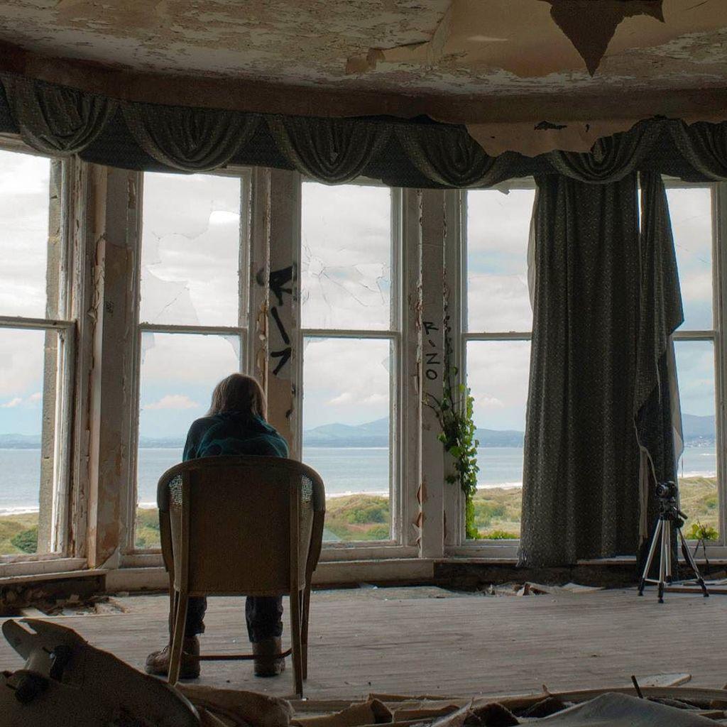 St. David&#39;s Hotel. Harlech. 2011. #throwback #urbanexploration #ue #urbex #wales #harlech #abandoned #people #deca…  http:// ift.tt/2qbQSe9  &nbsp;  <br>http://pic.twitter.com/lt3nKd2FPs