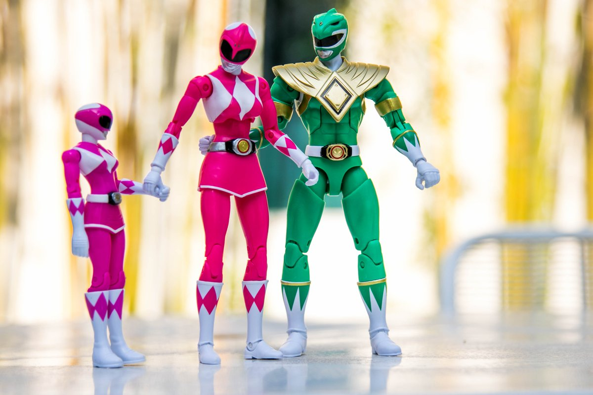 Happy Bring Your Daughter to Work Day! @powerrangers #powerrangers #bringyourdaughterworkday https://t.co/13BfrjLWnj