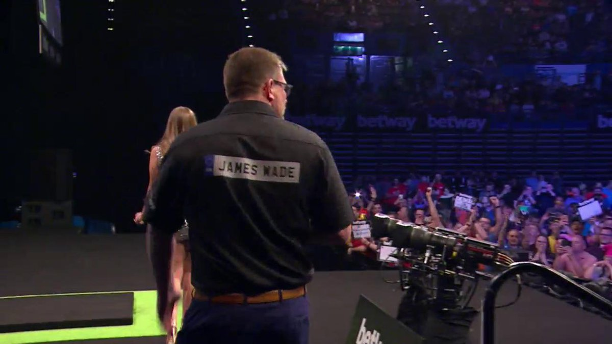 ...we're not really even sure what this is anymore   #LoveTheDarts htt...