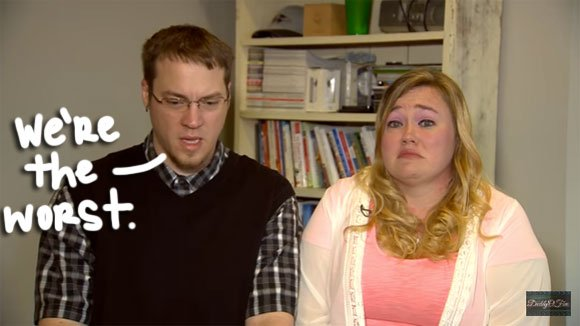 """""""DaddyOFive"""" parents apologize after being accused of abusing their children! https://t.co/z17fwCImIJ https://t.co/wbRKSci4Fm"""