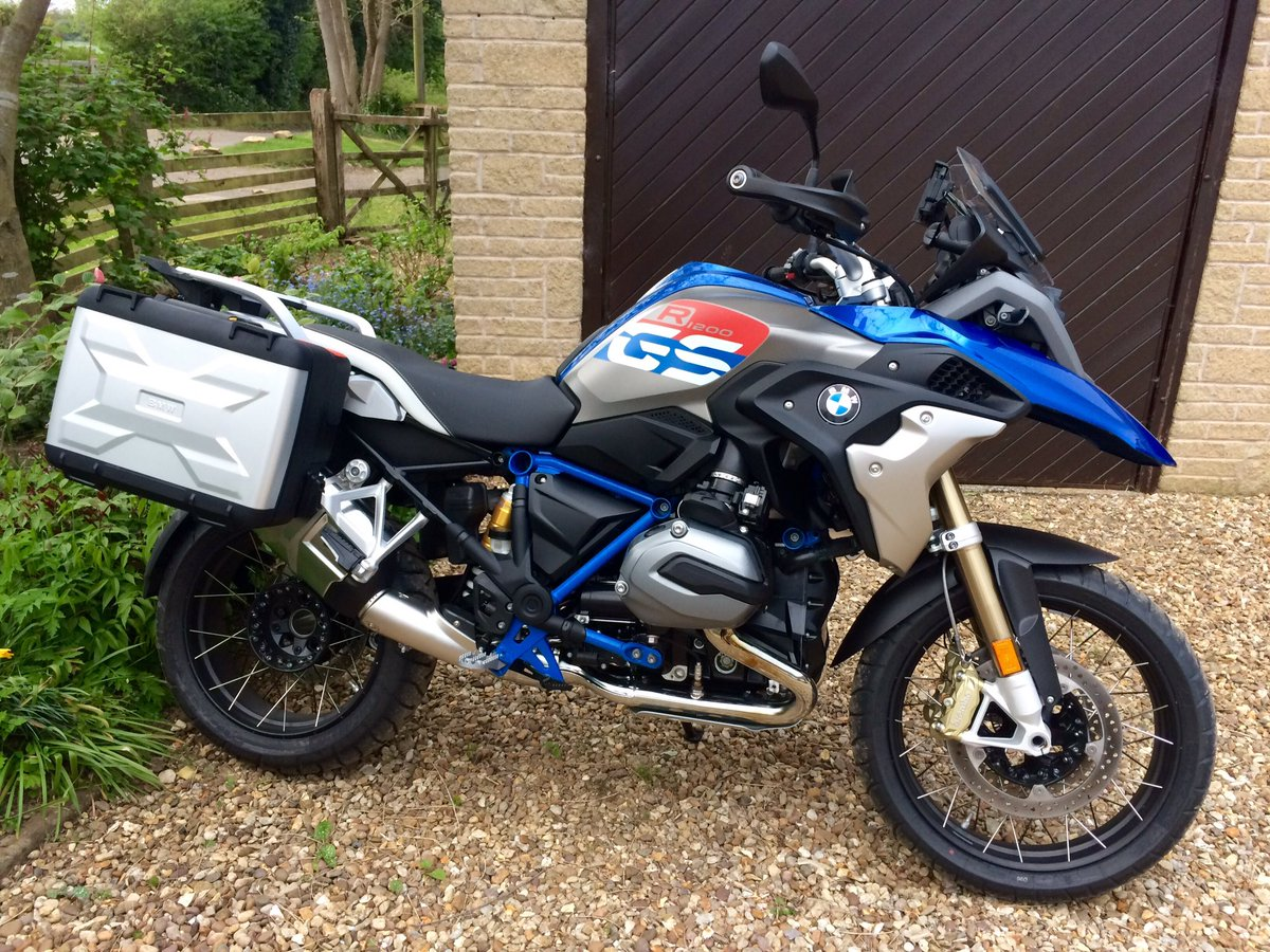 motor cycle news on twitter stunning new bmw r1200gs. Black Bedroom Furniture Sets. Home Design Ideas