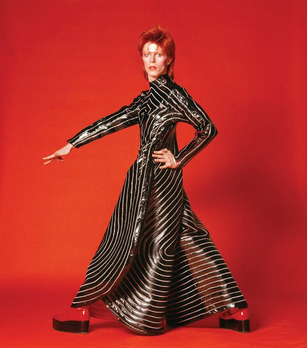 &quot;Keep your 'lectric eye on me babe  Put your ray gun to my head&quot; by #DavidBowie 1972   https:// youtu.be/LaqMwE5NKaM  &nbsp;  <br>http://pic.twitter.com/3kB99m75I1