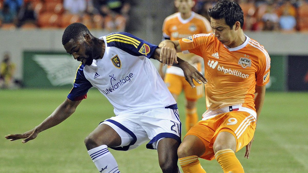 #TFC have their hands full with #Dynamo offence. (@JohnMolinaro)  http...