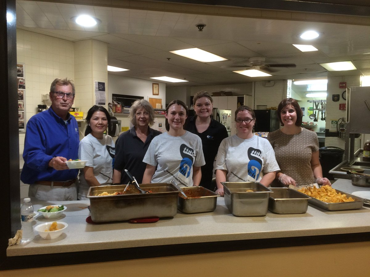 test Twitter Media - Our UGI employees are in the kitchen serving up meals at Opportunity House in Reading. #NationalVolunteerWeek #CookingForACause #Club1095 https://t.co/g9bB3PpUxv