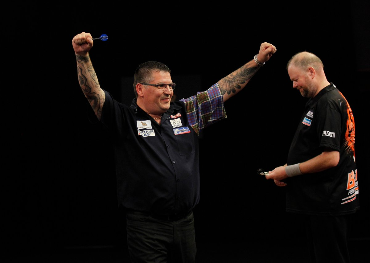 🚂 RESULT: Gary Anderson completes a 7-4 victory over Raymond van Barne...