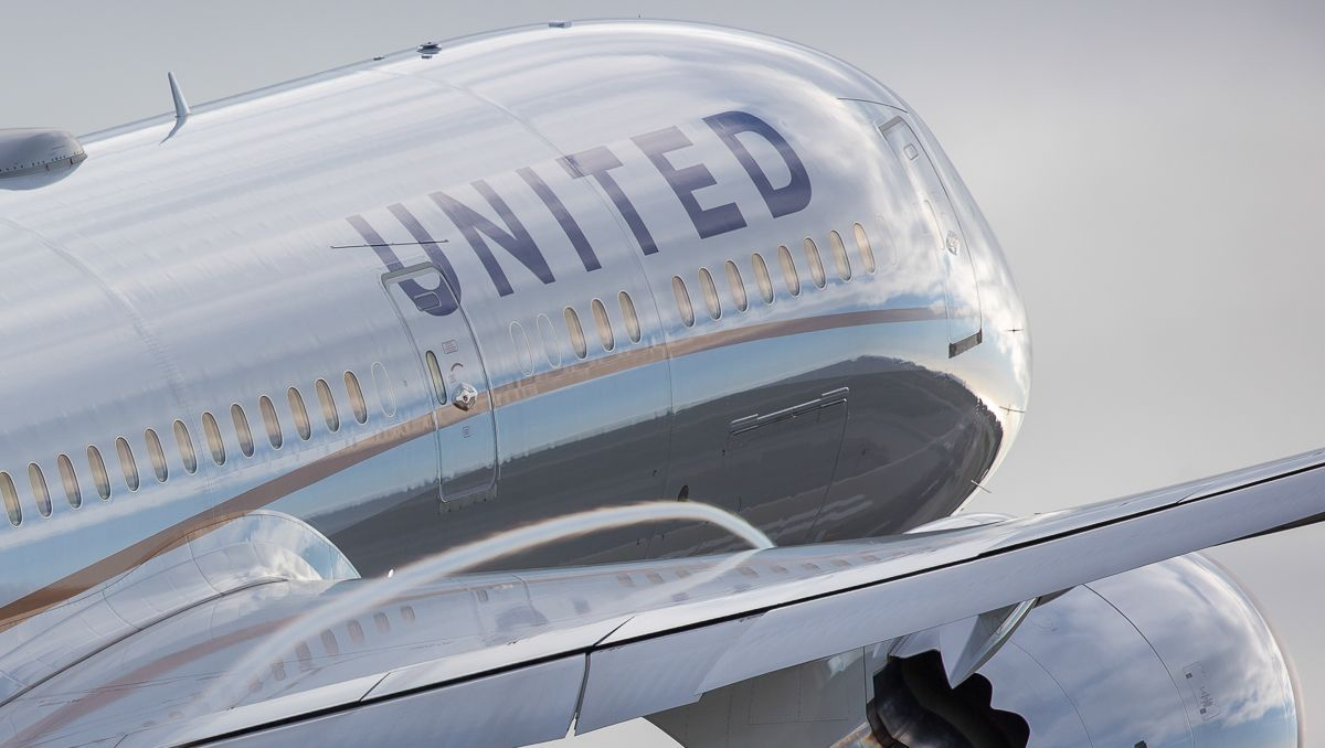 United Airlines pledges new protections for fliers in wake of passenger-dragging incident https://t.co/sjDjHwsX1Q