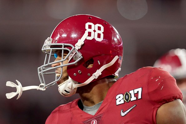 WATCH: Former Alabama tight end O.J. Howard is ready to be playmaker #...