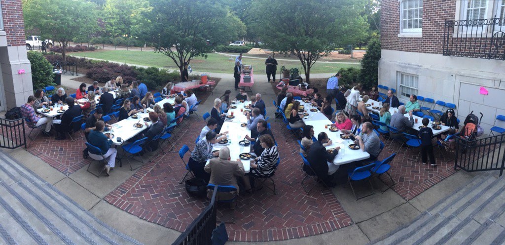 Dinner on the grounds #MICACT7 serving the famous Taylor Grocery catfish. ACT 7 is one for the history books https://t.co/SXoHpDl5T8