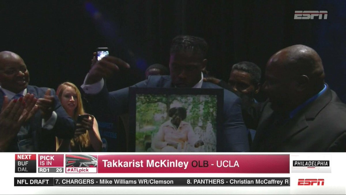 Takkarist McKinley brought a photo of his grandmother ❤️ https://t.co/...