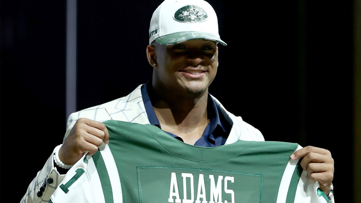 .@Hebron_HS product @TheAdams_era is the 3rd North Texan picked in the 2017 #NFLDraft, 6th overall by the NY Jets https://t.co/ttBADnfcJZ