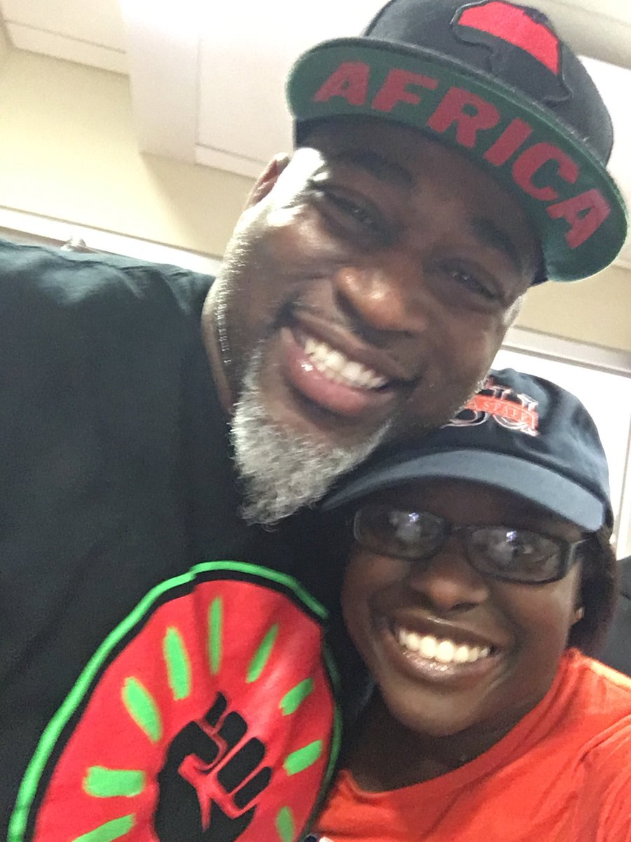 Pretty dope afternoon with @davidbanner at the radio station (The Sour...
