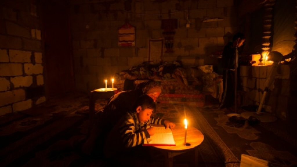 Rights group fears Gaza fuel 'catastrophe' https://t.co/jYxpNftiNa htt...