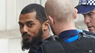 BBCニュース - 英議会近くで男性をテロ容疑で逮捕 ナイフを複数所持 https://t.co/KPEtXNOvVi
