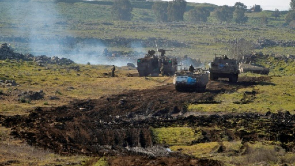 Israeli missile shoots down 'target' over Golan: army https://t.co/Npt...
