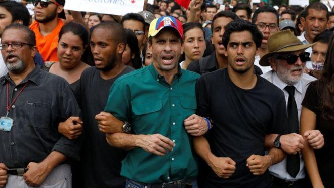 BBCニュース -  ベネズエラ野党指導者、総選挙の早期実施求める https://t.co/8C8Ko9020X
