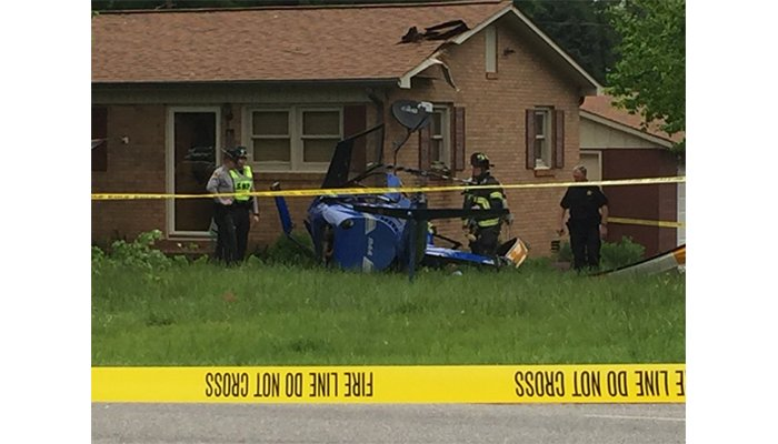 Helicopter crashes into North Carolina home, injures 2 people #wmc5>>https://t.co/oB1oIGeoVY