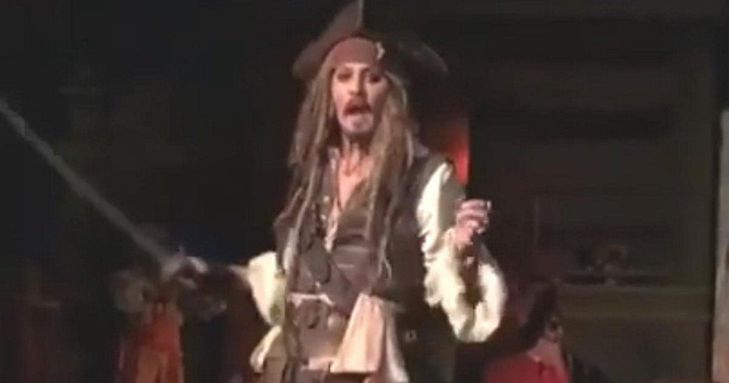 Johnny Depp stuns fans on Disneyland's 'Pirates of the Caribbean' ride https://t.co/PKN0UjH3Yb