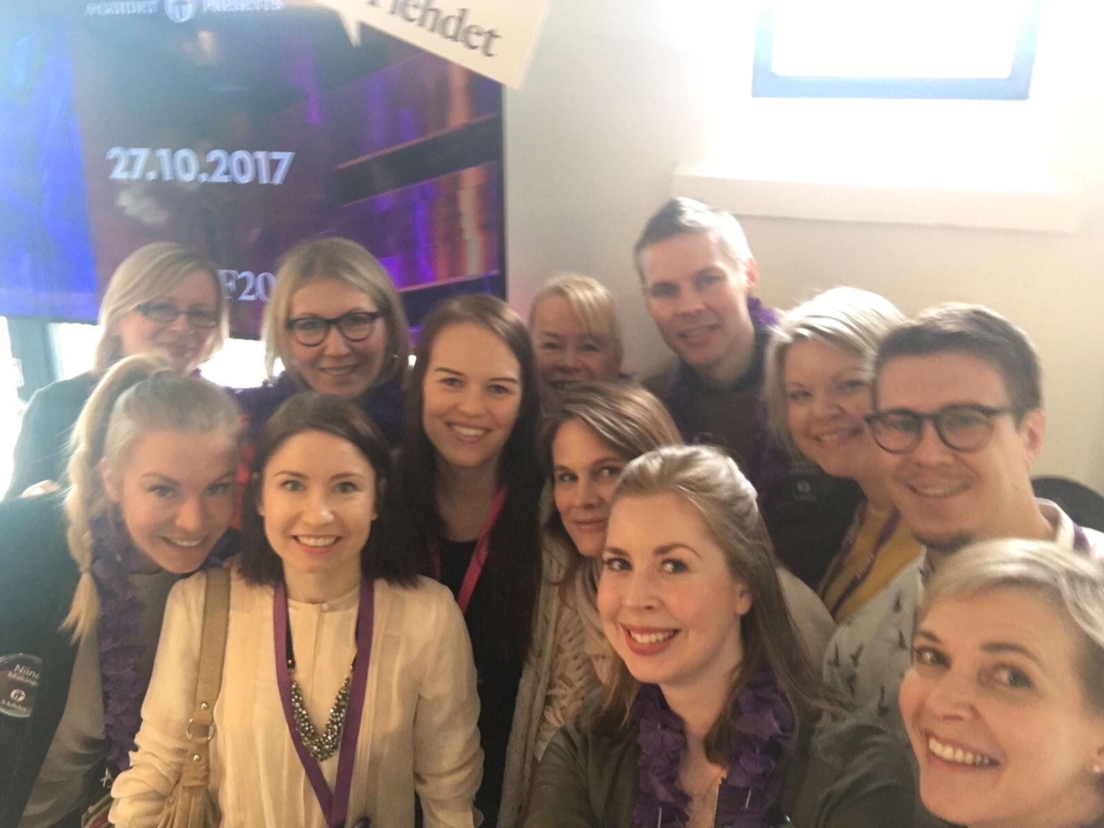 Tästä lähtee #PingHelsinki Huippupäivä edessä! Tulkaahan moikkaileen meitä #tbaf2017 -ständeille #vaikuttajamarkkinointi #alehdet https://t.co/mLhyvR0X82
