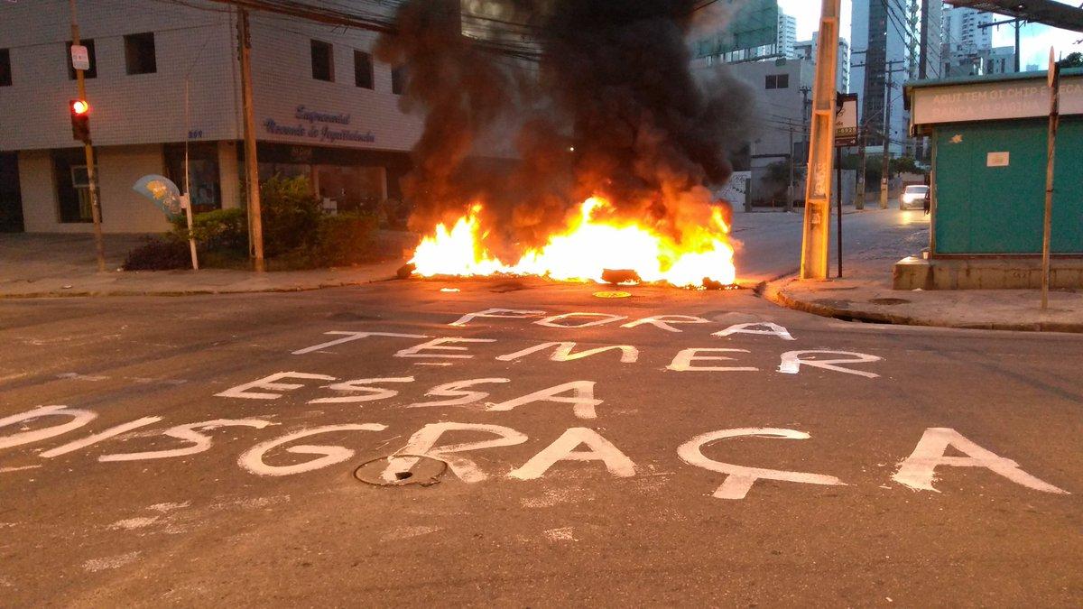 #BrasilEmGreve   Pernambuco é direto e reto!  FORA TEMER, ESSA DISGRAÇA!  Foto de Jair Rodrigues