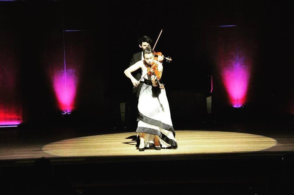 Yesterday ;) #violin🎻 #violine #newdress #twiolinsontour #twiolins #heidelberg #augustinum #fliegenleben #stage #violinduo #violinduorecita… https://t.co/at55NALxiE