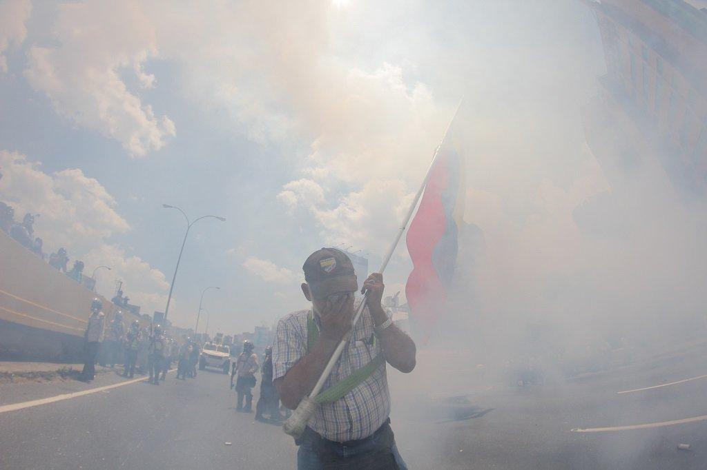 El OVS ante el uso excesivo de gases lacrimógenos y agresiones contra la población https://t.co/p7su40OfFA