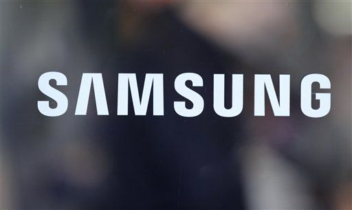 Samsung desplaza a Apple del primer lugar en teléfonos inteligentes https://t.co/h0Gf9ONCmx