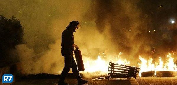Protestos interditam rodovias em ao menos seis Estados e no DF https://t.co/7iBBpWscjj #BrasilEmGreve #Notícias