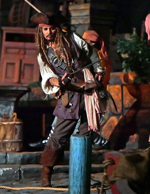 When you hear someone talk crap about Johnny Depp https://t.co/TWEF0xgS06