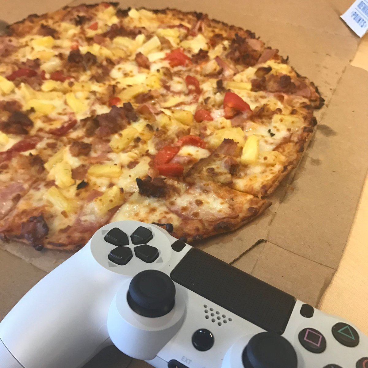 dominos pizza competitive advantage Domino's ad domino's has executed an epic turnaround the company is opening hundreds of new locations and profits are soaring morgan stanley recently named it the leader in us delivery pizza.