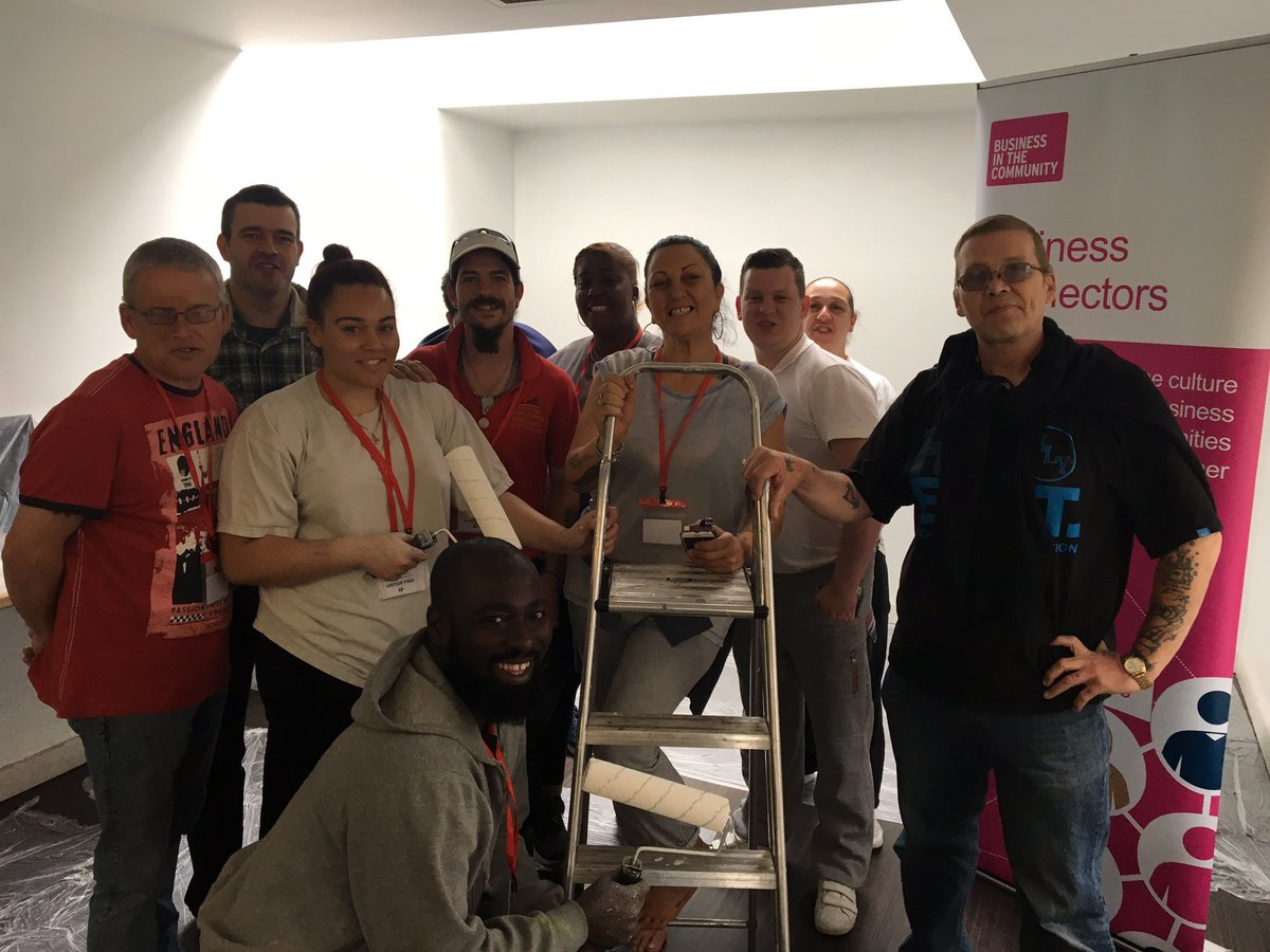 Our #TeamPersona #Managers &amp; #Supervisors are giving back today by painting Hostels @branches_wfc today giving back @BITC! Great work guys!<br>http://pic.twitter.com/A6bIjMUNZP