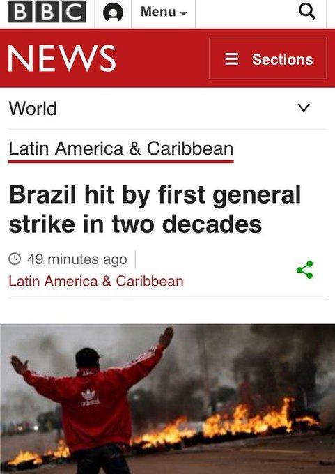 Na mídia internacional, a cobertura não é vergonhosa como a brasileira.  O foco não é 'trabalhador fica sem transporte'