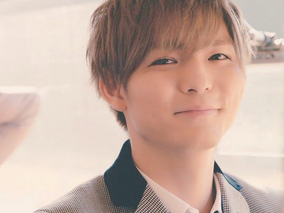 微笑む薮宏太がかわいい