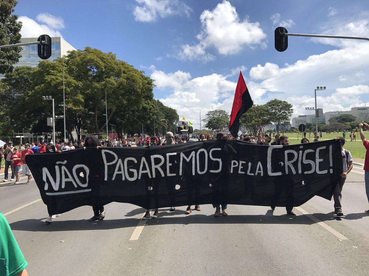 'Não pagaremos pela crise' #GreveGeral
