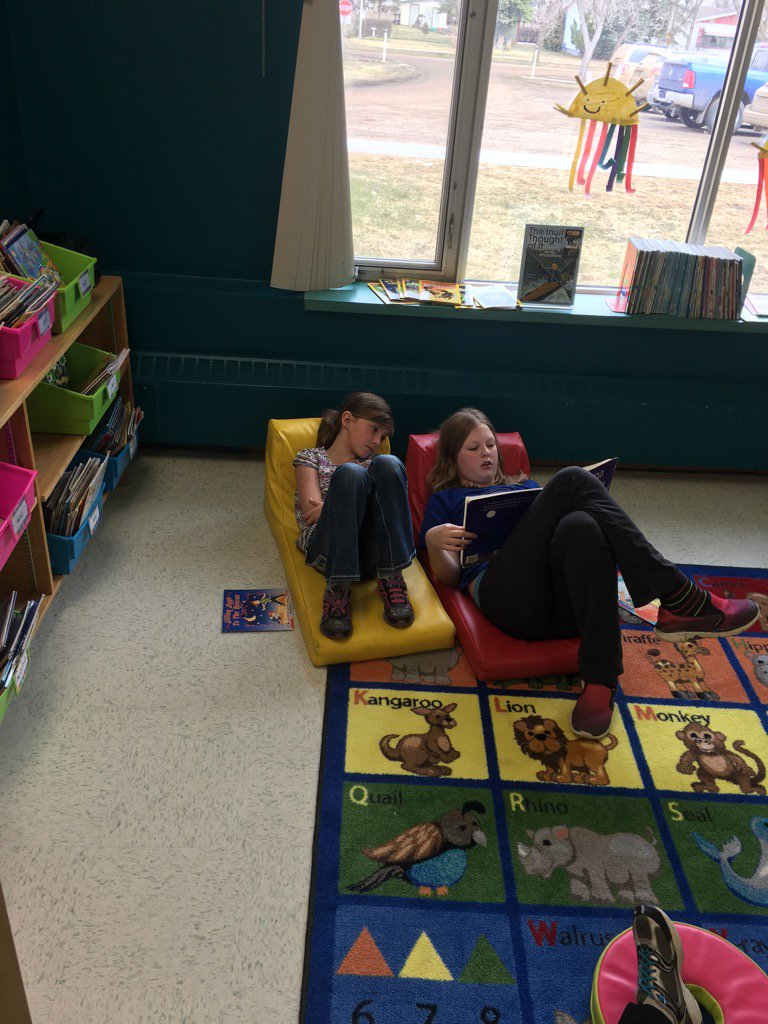 Reading Buddies! #donsch https://t.co/w2CreO4MOK