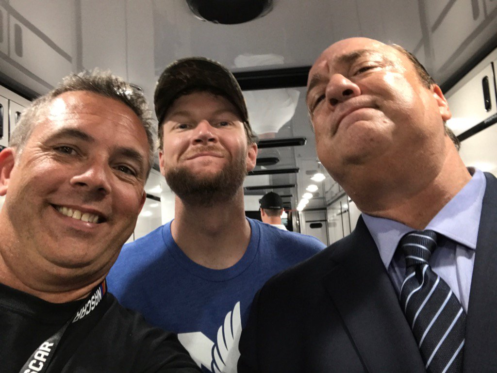 Look at this bunch.  @DaleJr doing his best @HeymanHustle pose!!!! Good times. https://t.co/6p8QRwcbWG