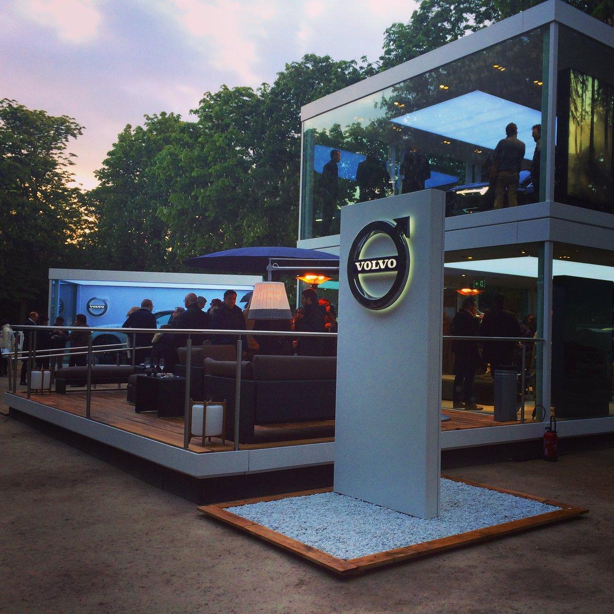 Dernier we pour découvrir le #NouveauXC60 au showroom éphémère #Volvo installé aux #Tuileries #avant-première pic.twitter.com/VC3nY1ON7c