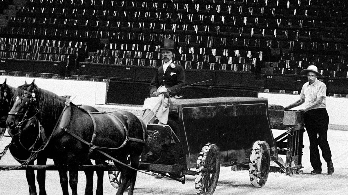 Retired Ice Rink Manager Recalls Days Of Horse-Led Zambonis trib.al/9AdRzlS