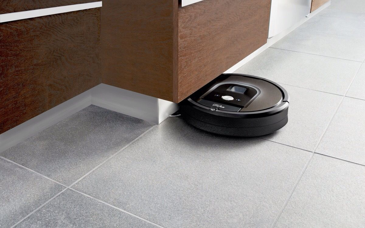 iRobot sues Hoover, other rivals over robot vacuum patents https://t.co/T38C3tfXGc