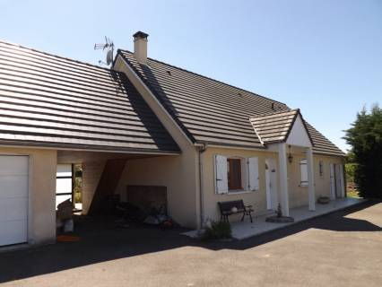 Property in #Pau, #Aquitaine, 214,000euros£180,659: Ref: AF20088; Located 15 minutes west of Tarbes in a nice…  http:// dlvr.it/P16mCj  &nbsp;  <br>http://pic.twitter.com/ISBY43GVy9