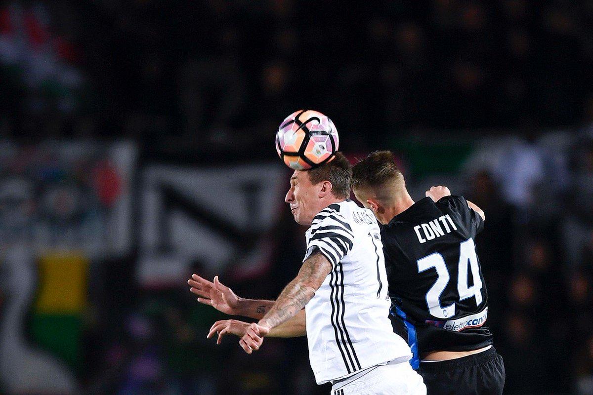 C hbGOTWsAAhOl7 Contra a Atalanta, a visitante Juventus fica no empate. OK, Mas sofre dois gols. Muito ruim...