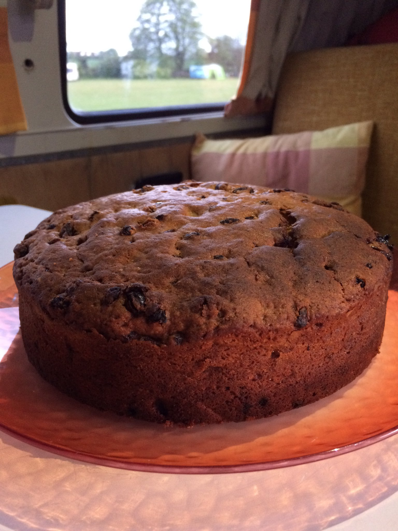 RT @AmandaHewish: Happy Birthday to my Hubby! 😘 Made @lisafaulkner1's Farmhouse Cider Cake 😋 perfect when camping! 🚌 https://t.co/GFkpKR3AFE